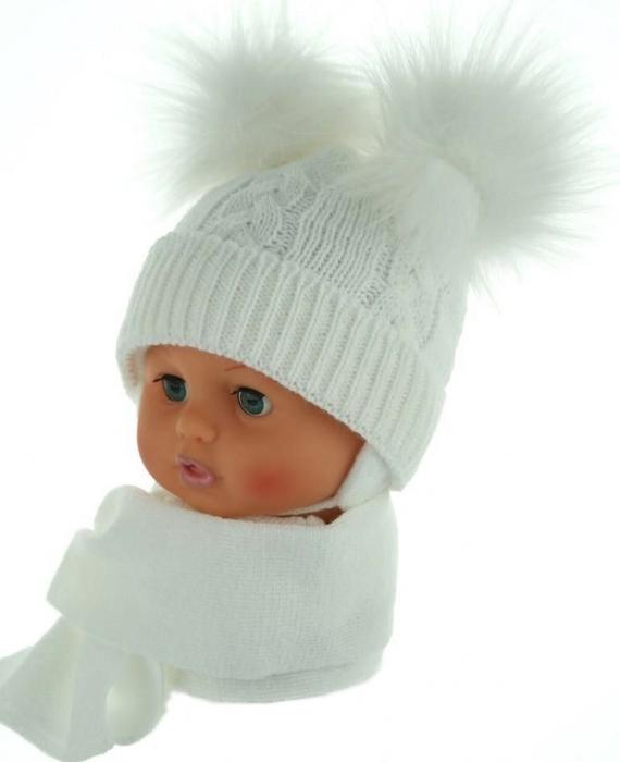 24edaac7c BABY NELLYS Zimná čiapočka s šálom - chlupáčkové bambuľky - biela ...