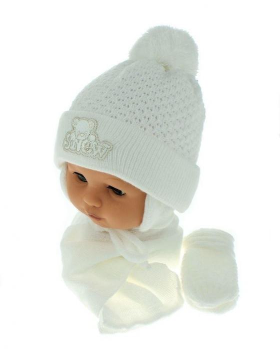 c281b3081 Sada - čiapočka, šál a rukavičky Macko - biely (biela výšivka ...